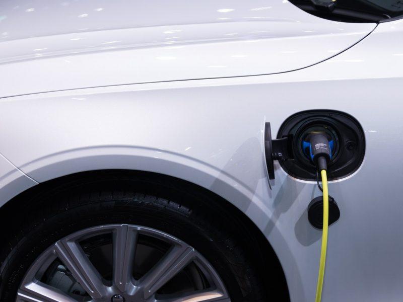 Domowa stacja ładowania samochodów elektrycznych – ekomotoryzacja